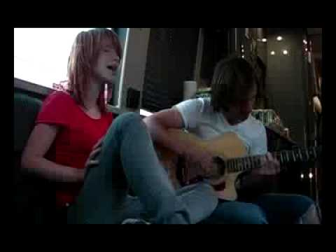 Paramore - Here we go again (acoustic)